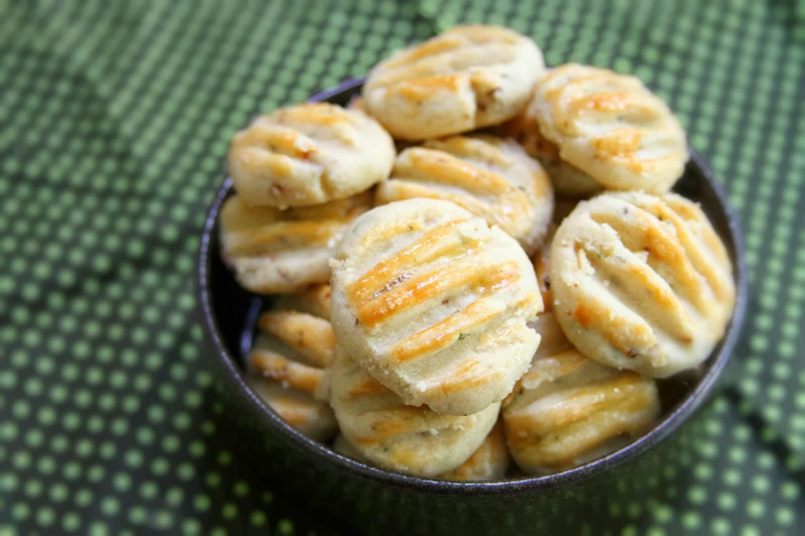Biscoitinho De Cebola: Receita Rápida Que Só Leva 3 Ingredientes