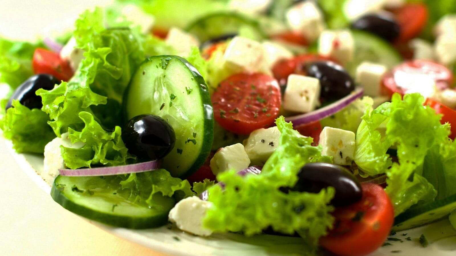 7 Receitas de Saladas Deliciosas – Uma Para Cada Dia Da Semana