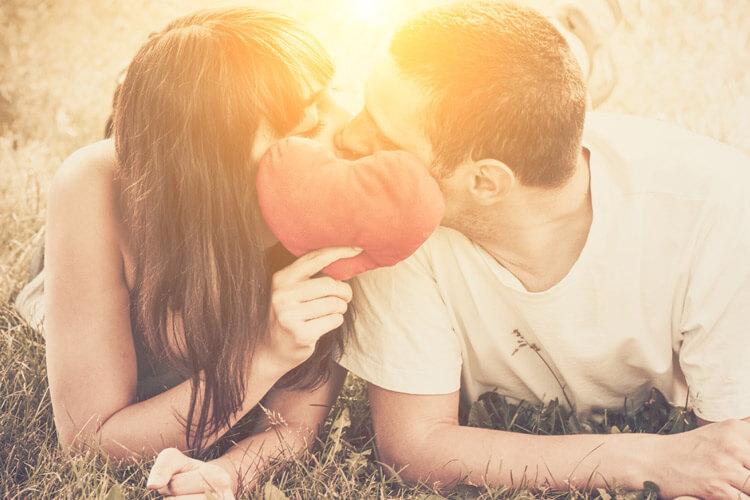 ᐈ 50 Frases Para Status De Amor – Só As Melhores